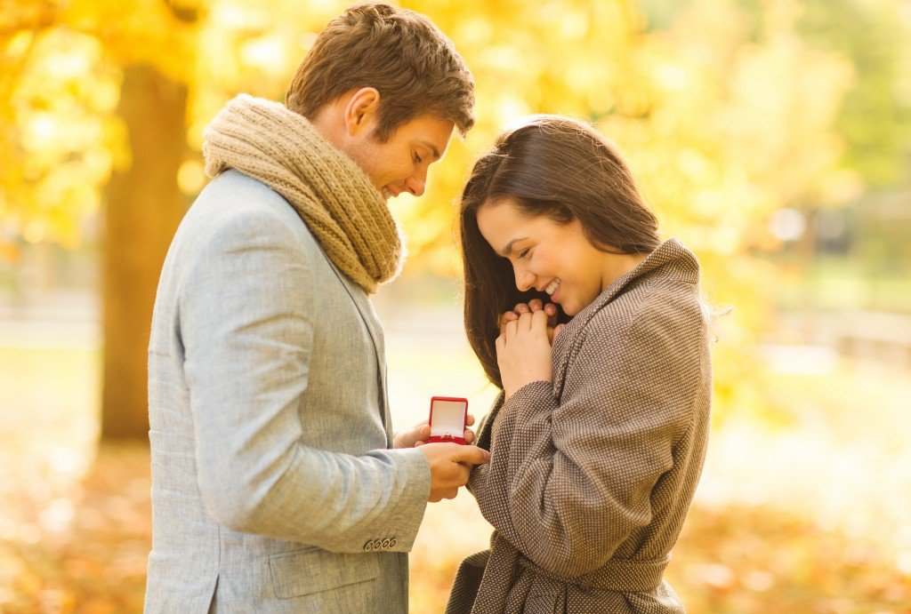 Great proposal ideas? Wedding proposal in the autumn at the Phineas Swann Bed and Breakfast Inn near Jay Peak Vermont.