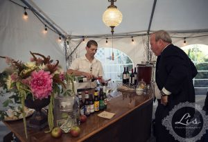 Wedding reception timeline – cocktail hour