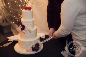 Wedding reception timeline – cake